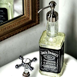 11-DIY-Soap-Dispensers-To-Dress-Up-Your-Sink-3