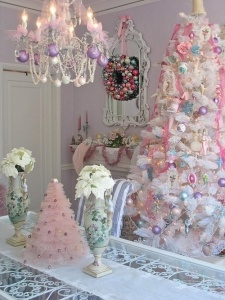 glamorous-pastel-christmas-decor-ideas-1.